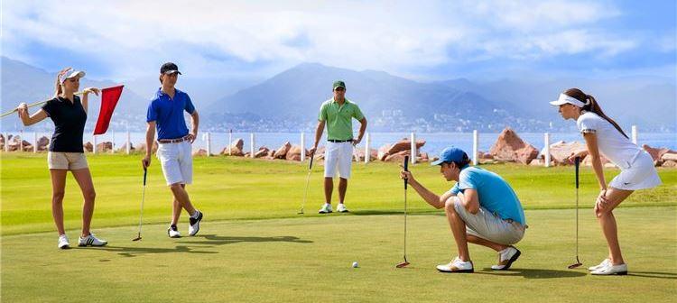 Golfe no Grand Velas Riviera Maya, México