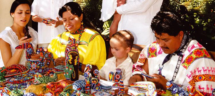 Vila indígena Huichol no México