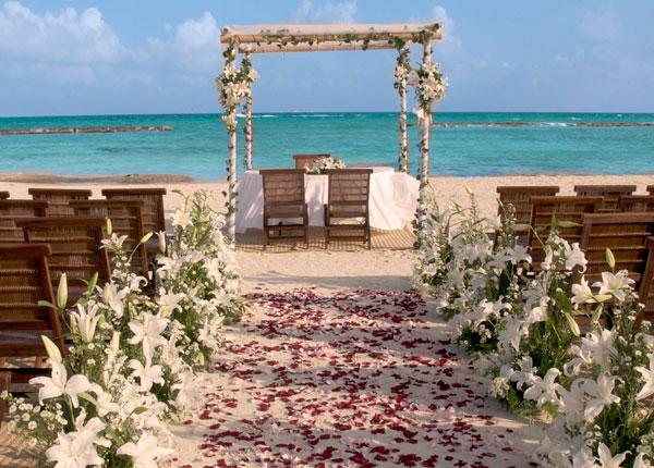 Seaside Romantic Weddings In Mexico